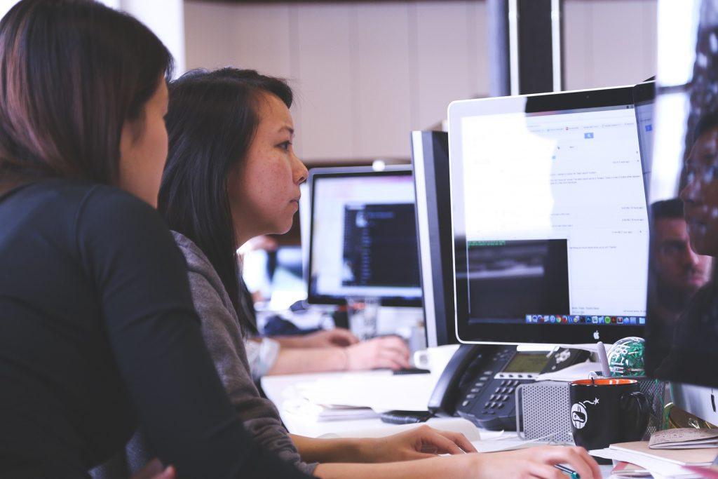 أهم فوائد ومعوقات إستخدام المعامل الإفتراضية